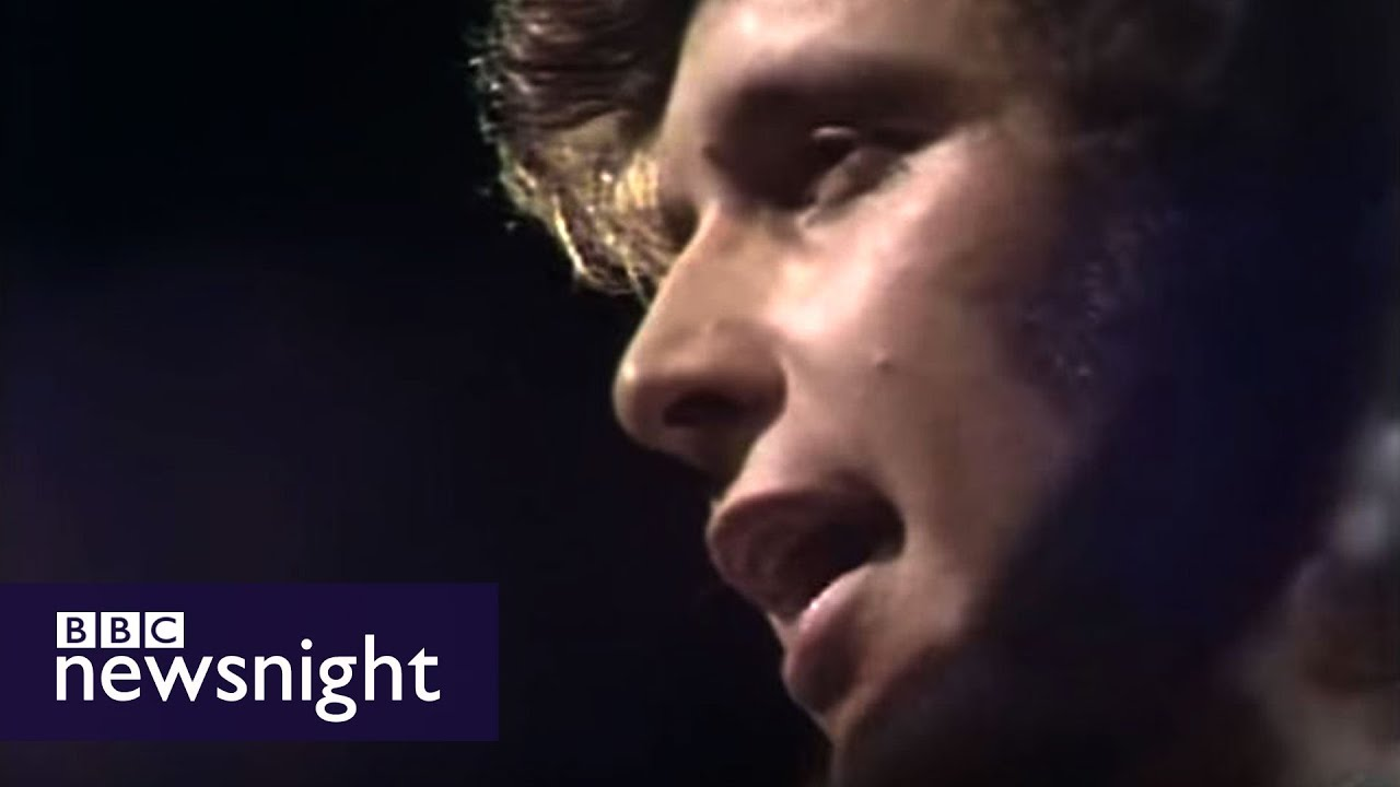 Don McLean performs American Pie live at BBC in 1972 - Newsnight archives