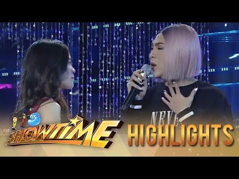 It's Showtime Miss Q & A: Vice Ganda helps Ate Girl