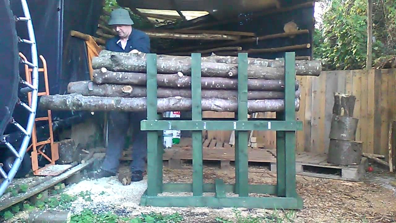 how to build a log holder for cutting firewood