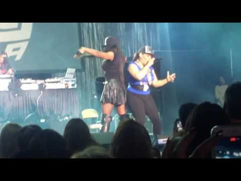 Salt-n-Pepa at I Love the 90's concert part 1