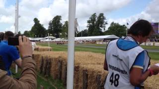 Goodwood FOS 2014 - Ultimate F1 Car Fly-By's and LOUD Sounds!