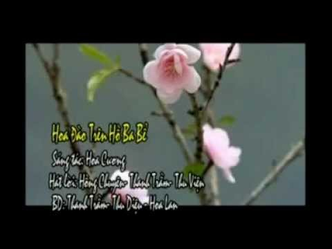 02- Hoa đào tiên trên hồ Ba Bể