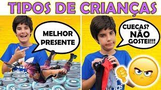 TIPOS DE CRIANÇAS ABRINDO PRESENTES DE DIA DAS CRIANÇAS