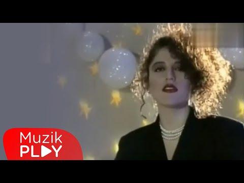 Aşkın Nur Yengi - Ayrılmam (Official Video)