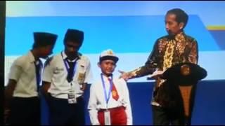 PARAH! Anak SD Ini Menyebut Kata yang Tak Pantas dan Di Ulang Berkali-kali Di Depan Presiden Jokowi!
