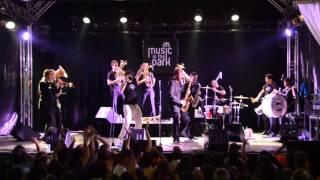 Einmal mit Scharf - Traktorkestar - Montreux Jazz Festival
