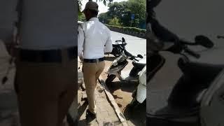 Traffic police support illegal parking near rajaram bridge