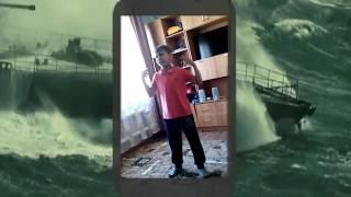 """Мальчик поёт и танцует под песню Сергея Лазарева """"Сдавайся"""""""