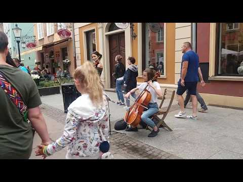 "street art music - Gdańsk  "" Moon River "" - Andy Williams"