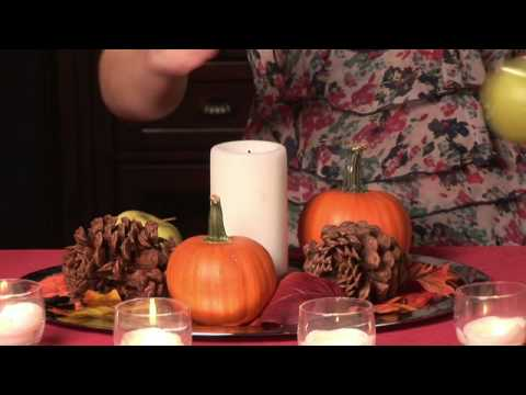 Throwing A Thanksgiving Party : How To Decorate A Thanksgiving Coffee Table