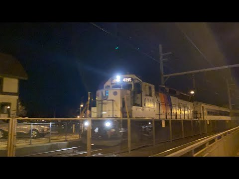 NJT GP40PH-2B 4215 Leads MM-08 West Through Aberdeen-Matawan With 2 Comets And A Multilevel 3/5/20