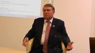 сенатор от Новгородской области - Александр Коровников