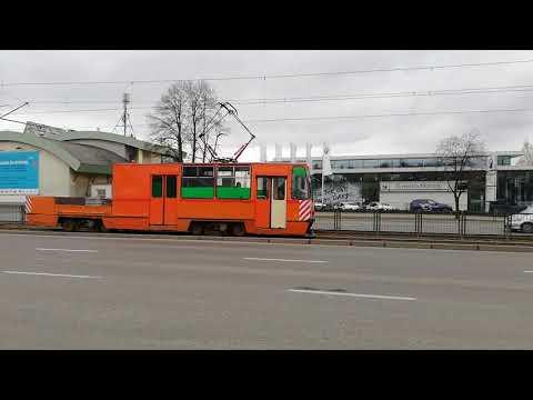 GAiT 1135 z nową reklamą ale tylko w połowie. Urząd Marszałkowski na tramwaju from YouTube · Duration:  16 seconds