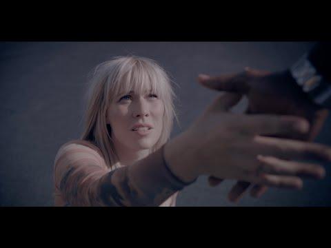 Смотреть клип Natasha Bedingfield - Lighthearted