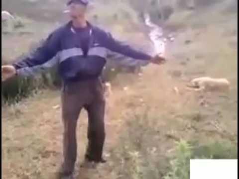 رقص كوميدي مضحك لراعي الغنم على إيقاع الشعبي المغربي thumbnail