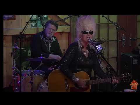 Christine Ohlman Live at Daryl's House Club 8.16.20