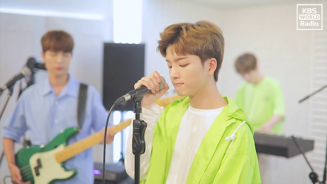 [W24] 'Heart Flutter' (KBS World Radio Practice Room)