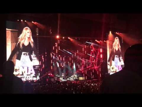 Miranda Lambert - Kerosene - CMA Fest 2017