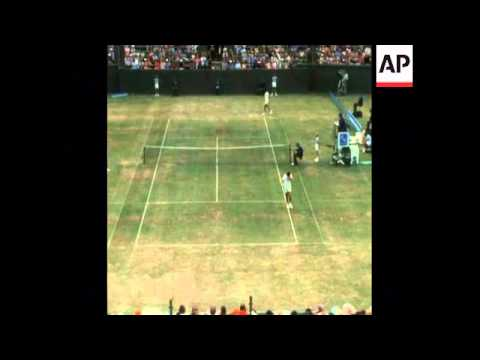 SYND 17 12 74 A MASTERS TENNIS EVENT IN AUSTRALIA