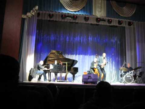 Charles Gayle 2015 Zaporizhia (Gayle on double-bass from 15:22)
