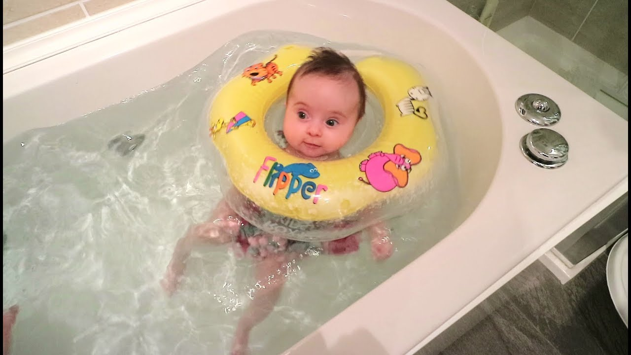 BABY NECK FLOAT: our 10 week old baby swimming in the bath for the ...