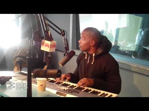 Jamie Foxx sings The Christmas Song at WBLS
