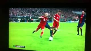 Muller foul on Jordi-Alba
