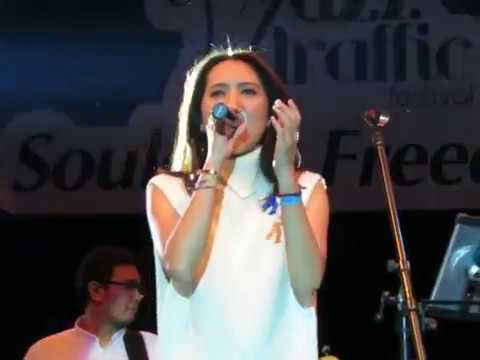 Free Download Lala Karmela - Love Affair At Jazz Traffic Festival Surabaya 19/08/2017 Mp3 dan Mp4
