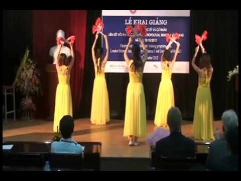 múa quạt giấy - CID opening ceremony