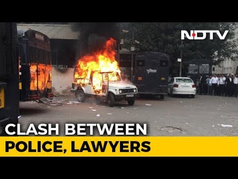 Cops, Lawyers Clash At Delhi's Tis Hazari Court, Police Car Set On Fire