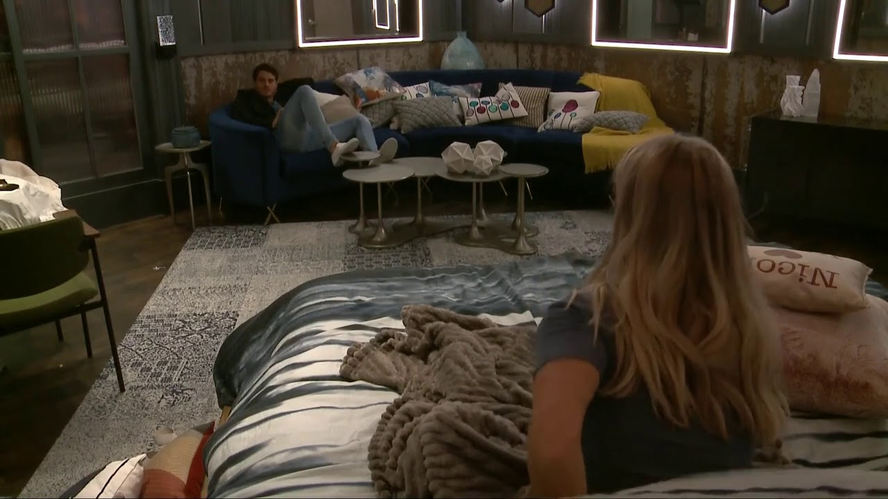 Nicole Talks With Cody About Her Talks With Christmas And -1268
