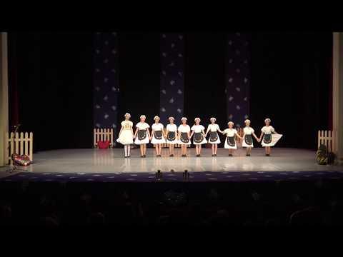 Vianočné vystúpenie 2017 - Rusínska nálada (Autor videa: Petra Mitašíková PhD.)
