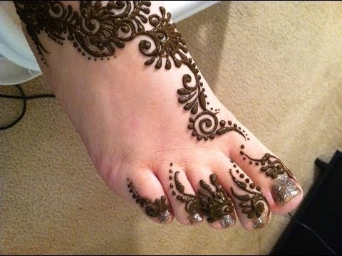 Mehndi Feet Photo : Simple easy henna floral strip for the feet by free hand mehndi