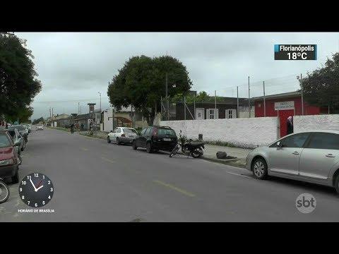 Menino de 12 anos é baleado durante troca de tiros em frente a escola | SBT Notícias (28/09/17)