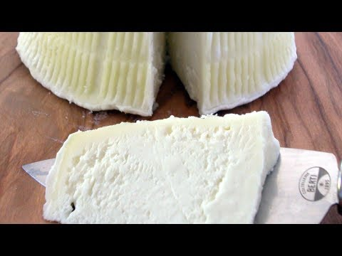 Beginning Cheesemaking: Whole-Milk Ricotta