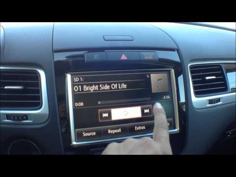 How to use the SD memory card in the VW Touareg