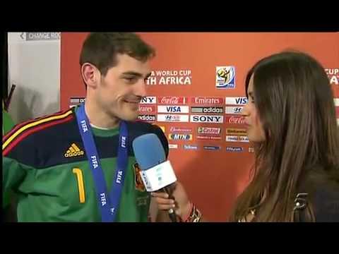 Spain Captain Iker Casillas Kissing Sara Carbonero after WC victory