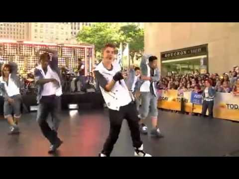 Justin Bieber Perfoming 'All Around The World' Live On Today Show 2012