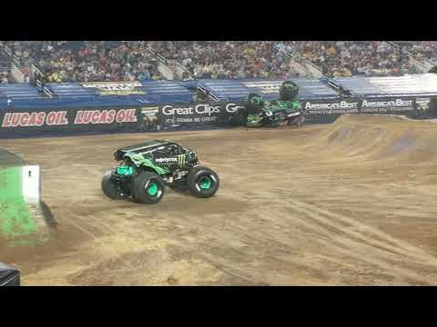 Monster Jam World Finals Freestyle Part 2, MONSTER ENERGY, MAX D, SON UVA DIGGER!