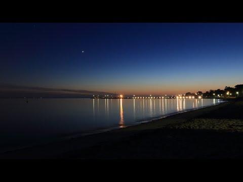 7D mk2 1080p HD. Time lapse photography. bird in flight & stuff
