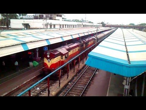 Alleppy Tata Express Arrived At Tatanagar Station.