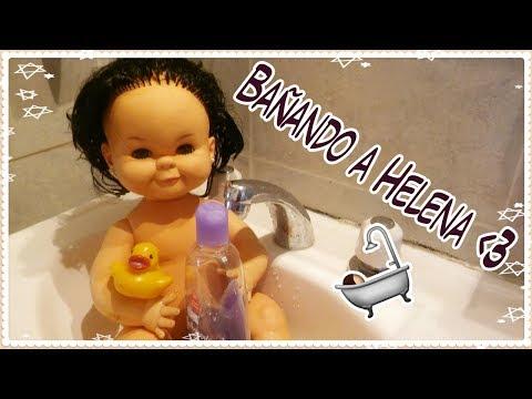 ¡El primer baño de Helena! (muñeca VINTAGE ARGENTINA Rayito de sol)