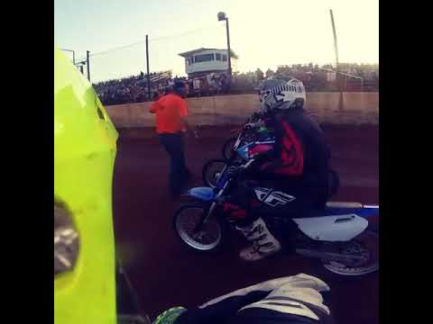 Southern raceway mini mod race piloted by Nathan/krazy Nate, xr100 vs yz 85 w/105cc kit