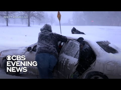 Dangerous winter storm lashes East Coast with snow and ice