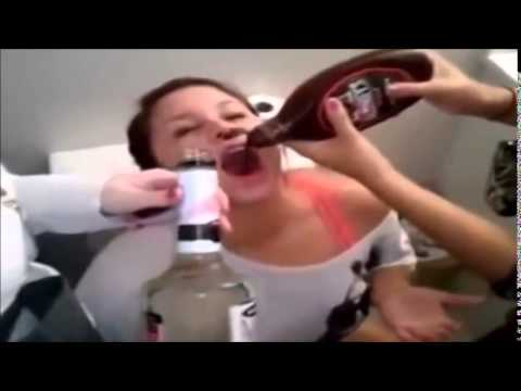 Drunk Girls are fun - Epic Drunk girl fails - #FAIL