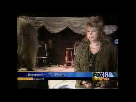 ELVIS IS ALIVE !!!  -   2002 Fox News With  Jeannie C Riley