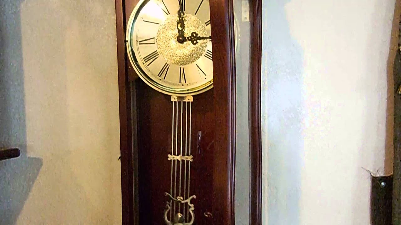 Crown regency houlryquarterly chime pendulum walnut wood wall crown regency houlryquarterly chime pendulum walnut wood wall clock 40h x 14 amipublicfo Image collections