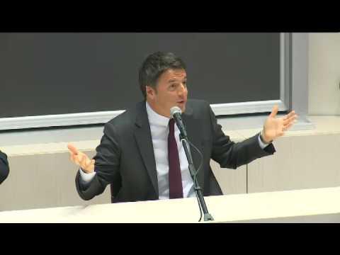 Renzi interviene all'Università Cattolica a Milano (14/11/2016)