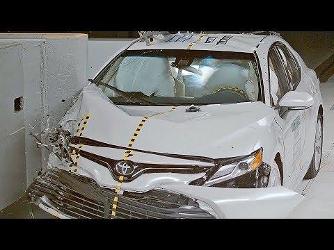Toyota Camry 2018 IIHS Crash Test