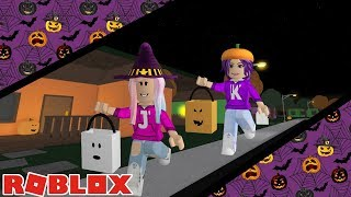 HOW MUCH CANDY CAN WE COLLECT?! / Roblox: Trick or Treat in Bloxy Hills 🎃 / Happy Halloween!